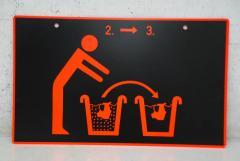 Hinweis Schild: Masken reinigen